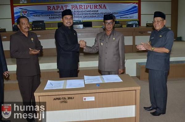 Pemkab dan DPRD Mesuji Sepakati Raperda APBD TA 2018