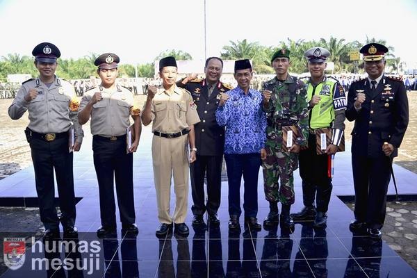 Kapolda Lampung Pimpin Upacara Hari Lahir Pancasila di Mesuji