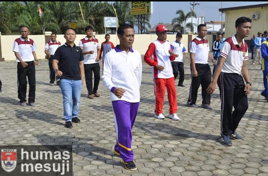 Jaga Kesehatan dan Kekompakan, Bupati Mesuji Imbau Kades Galakkan Senam Bersama